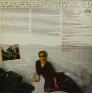 Goldieens-plastic world